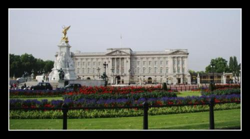 buckingham_palace_in_the_sprint